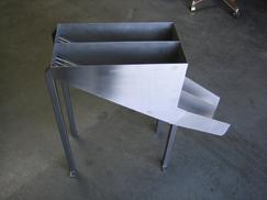injection mold chute